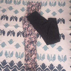 2 Pair Leggings floral and gray with stars